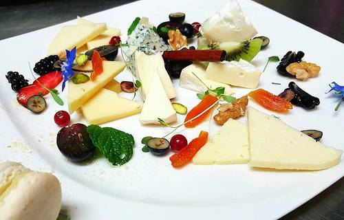 Selection of chesse